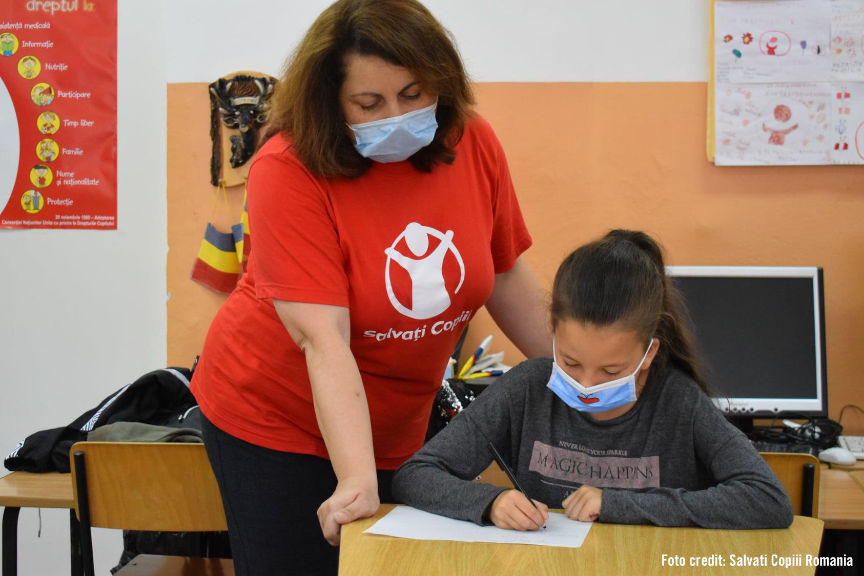 Anchetă Salvați Copiii: aproape 80% dintre școlile analizate vor revenirea la ore în format clasic, dar nu au cabinete medicale suficiente