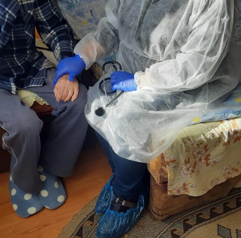 Echipa HOSPICE Casa Speranței oferă îngrijiri la domiciliu pentru pacienții cu boli oncologice