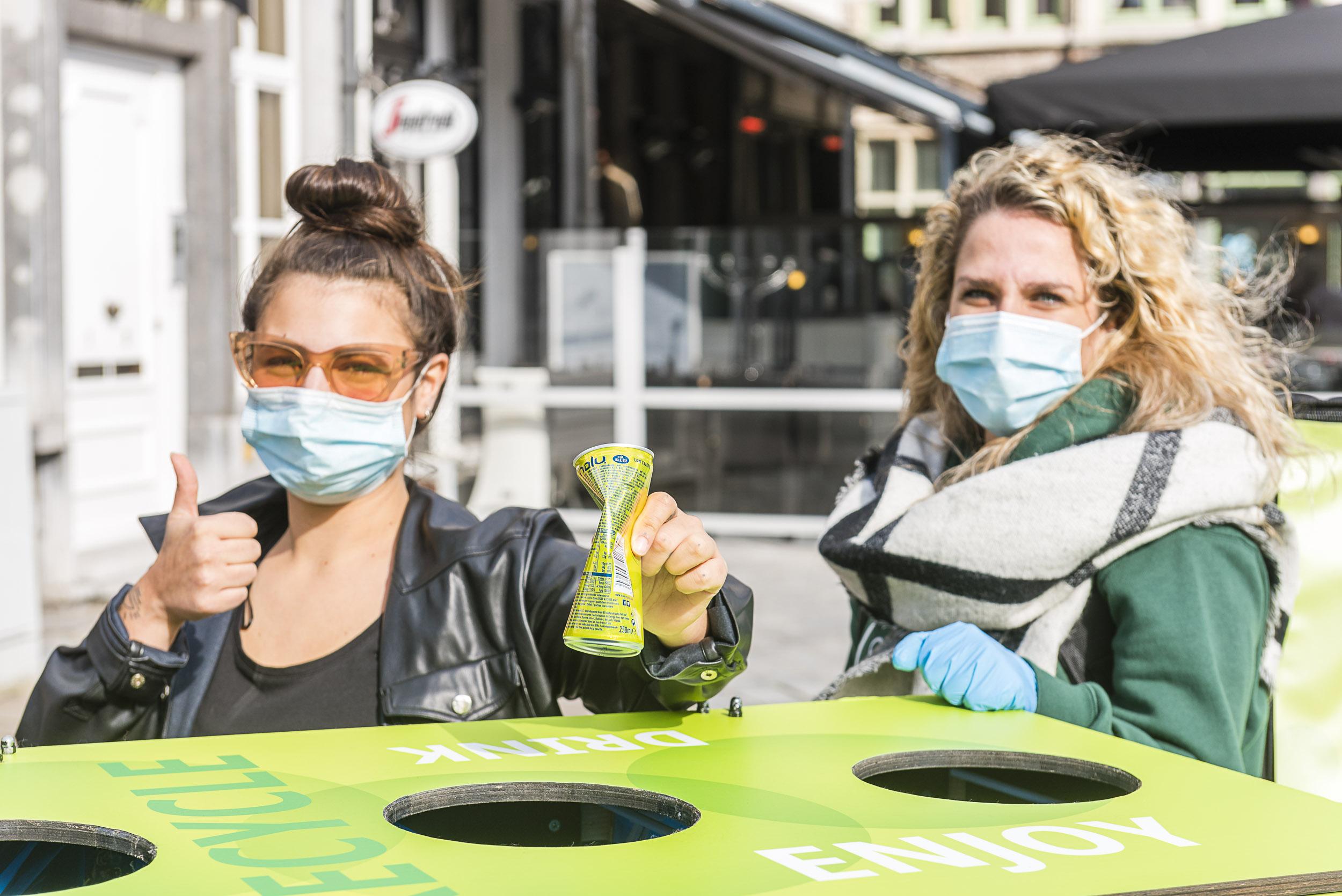 Europenii îşi doresc mai multe pubele de reciclare în spaţii publice, potrivit studiului efectuat de Every Can Counts