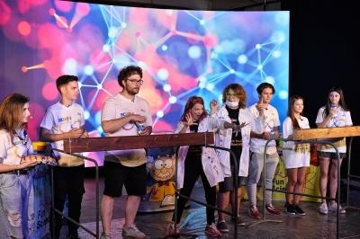 A 8-a ediție SCIKiDS Festivalul Științei s-a desfășurat în premieră online, cu 8 ore de conținut video live
