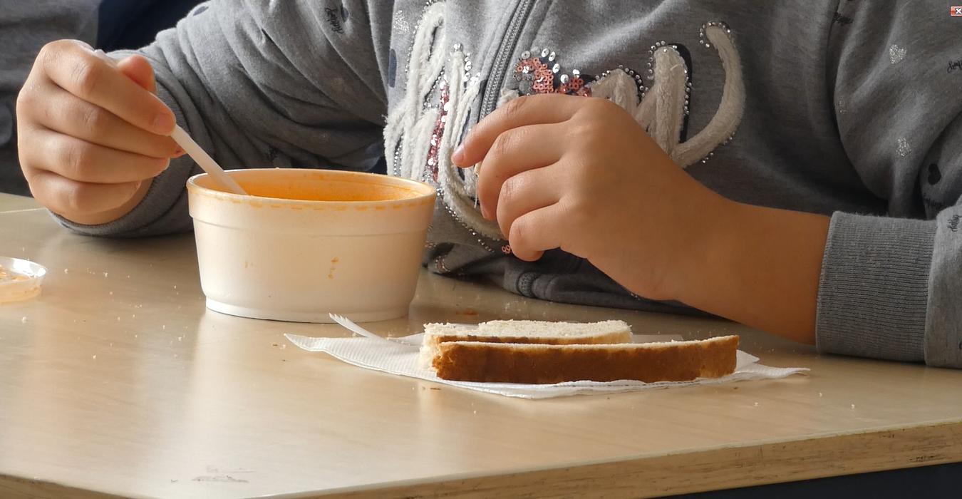 World Vision România oferă mese calde în aplicația Bolt Food pentru a fi comandate în sprijinul copiilor vulnerabili