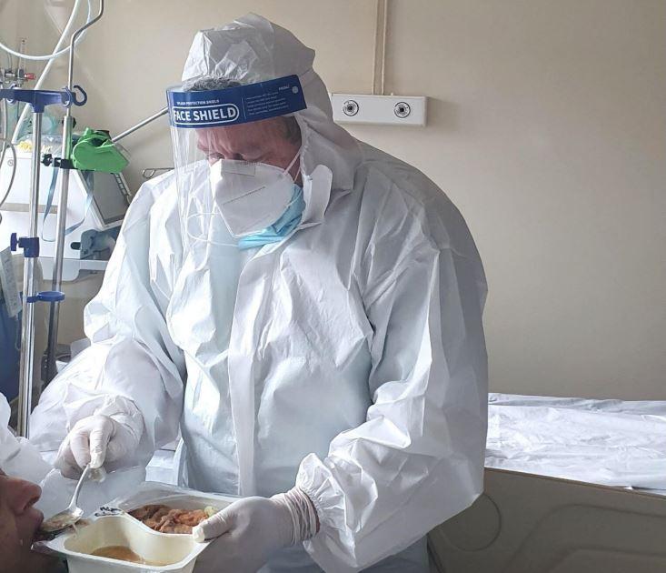 700 de combinezoane de protecție produse în București au fost oferite la patru spitale din Alba, Cluj și Harghita care au semnalat nevoia de echipamente de protecție