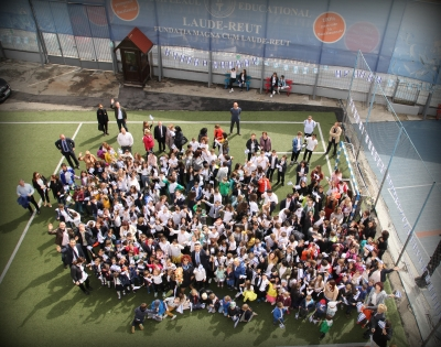 Elevii de top pot primi burse de peste 45.000 de euro pentru liceu