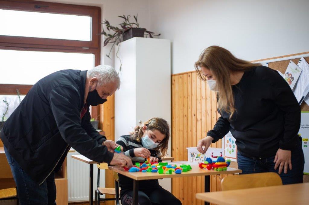 Masă rotundă organizată de Organizația Umanitară CONCORDIA și Primăria Odobești, județul Dâmbovița, despre nevoi și soluții pentru comunitățile sărace