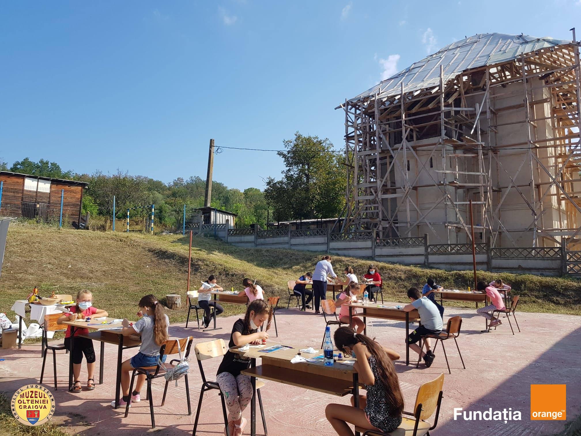 Caravana Muzeală a ajuns la peste 1000 de elevi și profesori