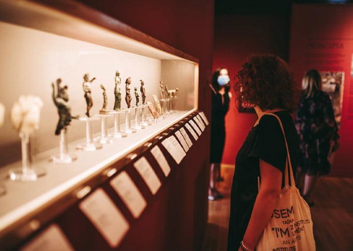 Sute de evenimente culturale și de experimente artistice organizate de Noaptea Muzeelor 2021