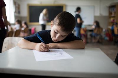Teach for Romania a colectat și analizat feedbackul a peste 1000 de elevi după reîntoarcerea la școală în semestrul al II-lea