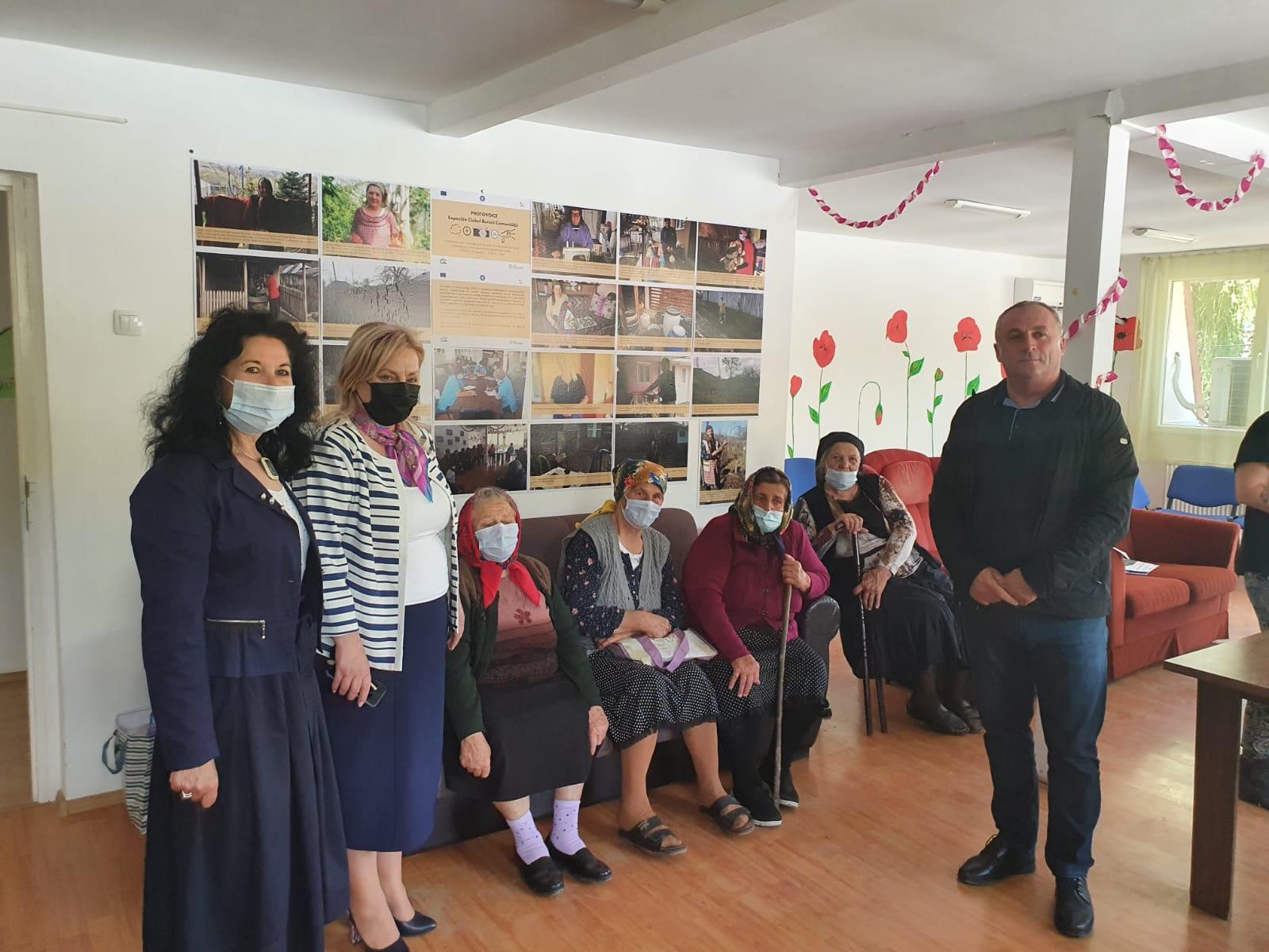 Proiect inedit de photovoice al vârstnicilor din Stănișești, Motoșeni și Răchitoasa