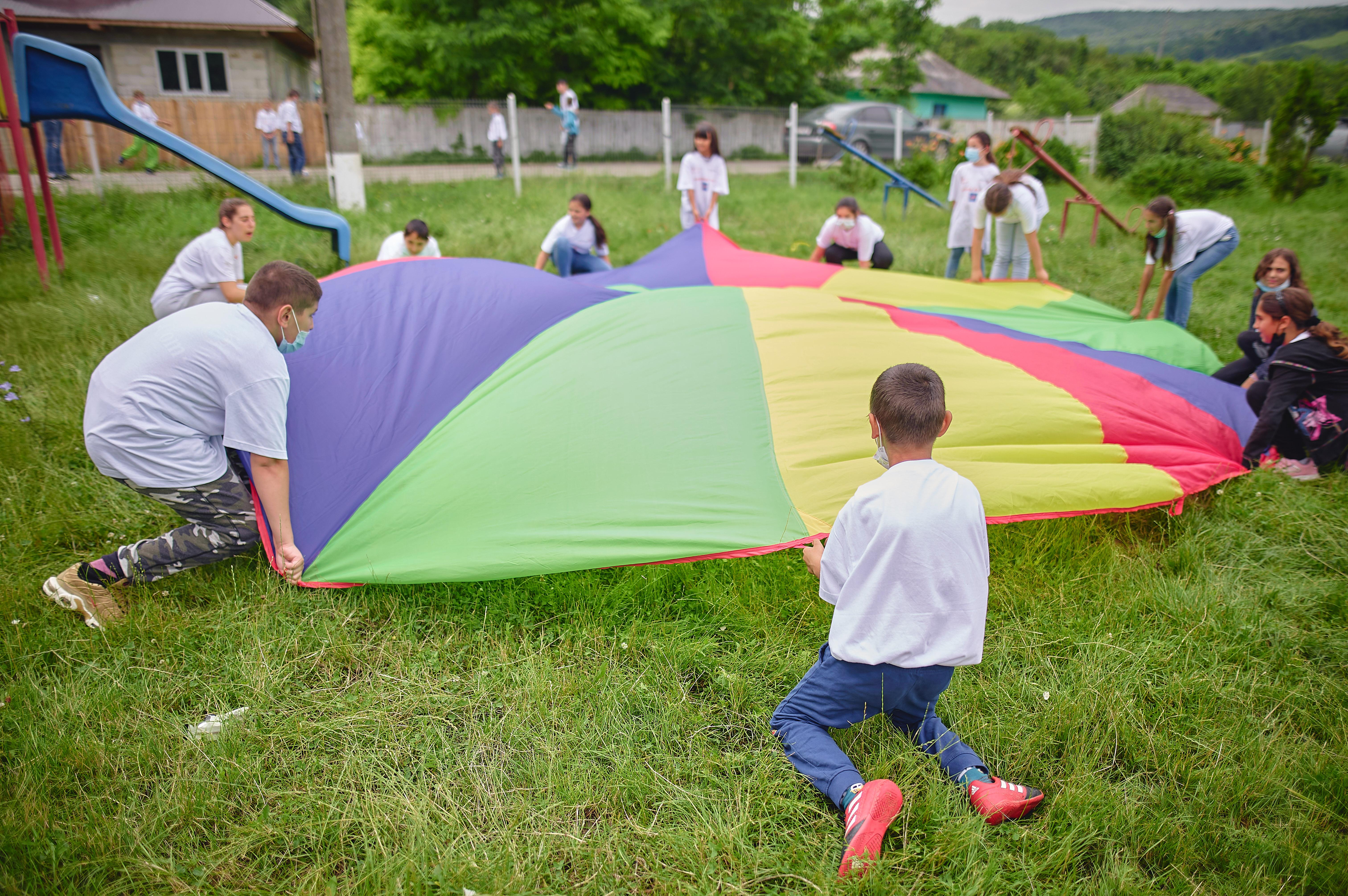 World Vision România organizează Şcoala de vară pentru peste 10.000 de copii