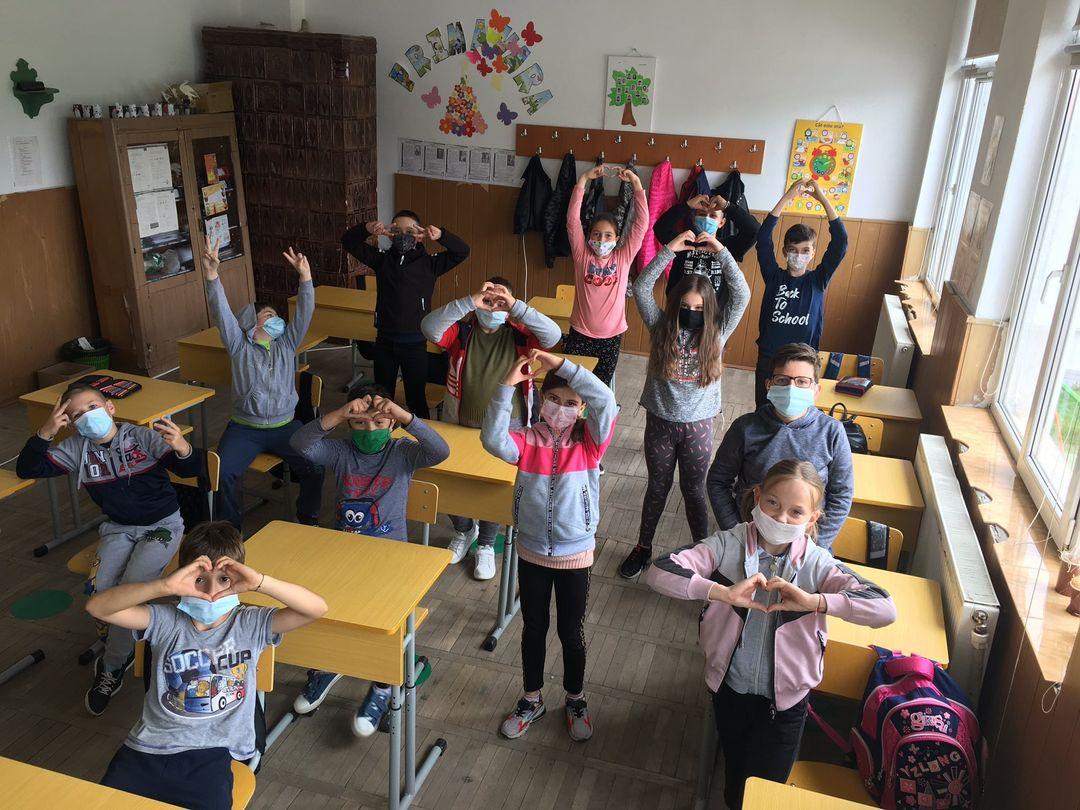 Poveștile copiilor din Popești, Vlădești, Valea Mare și Pietrari, acum în Antologii De Basm, tipărite și online