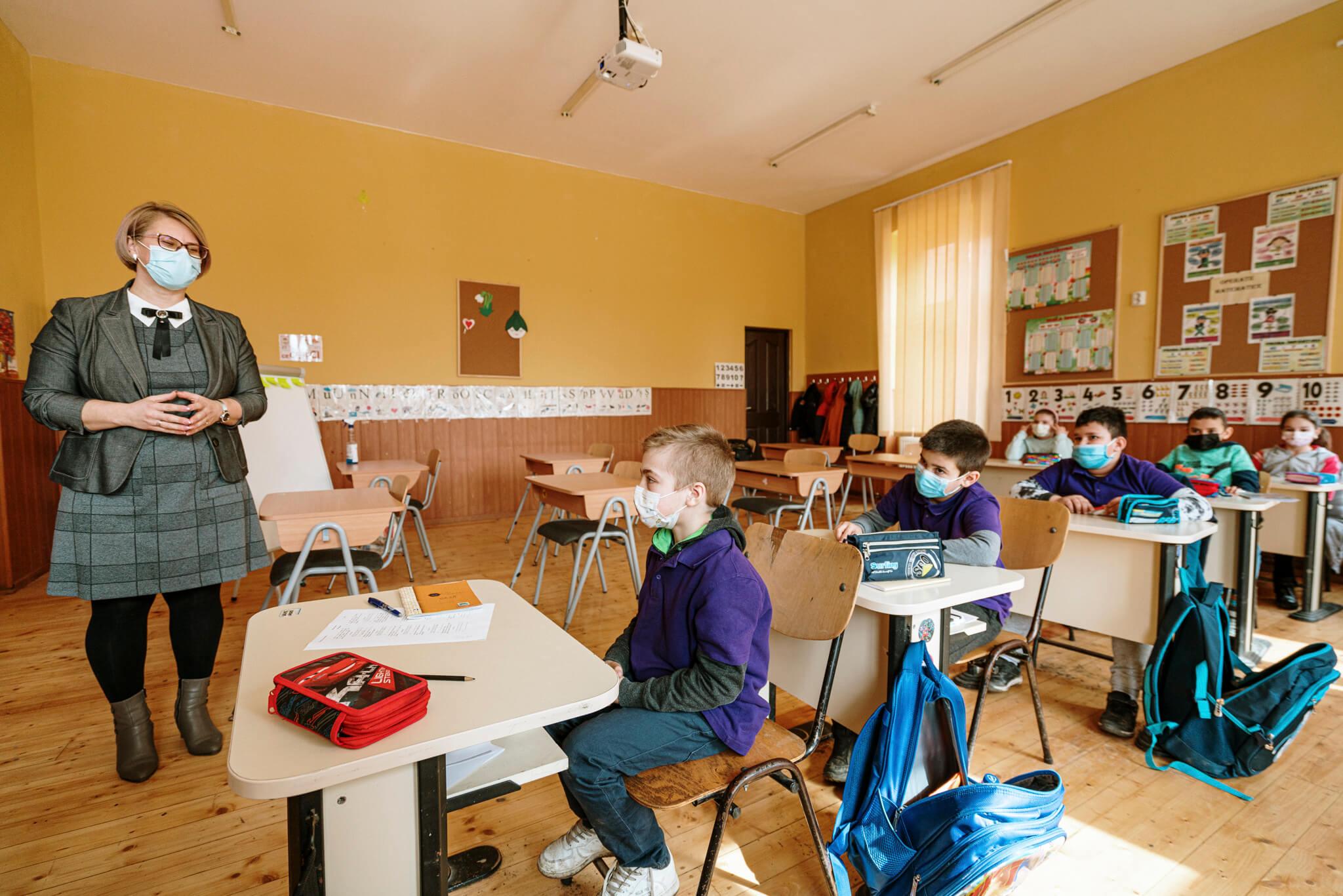 """Flanco aproape a dublat numărul de centre after-school """"Nouă ne pasă"""""""