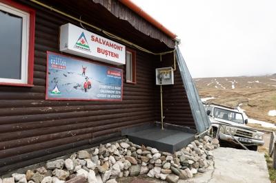 Ariston Thermo România dotează 51 de baze de salvare ale Salvamont România cu centrale termice și boilere