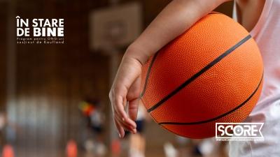 Copiii din centrele sociale, inițiați în baschetul 3x3 în cadrul programului SCORE – Sportul în Comunitate: Onoare, Respect și Educație