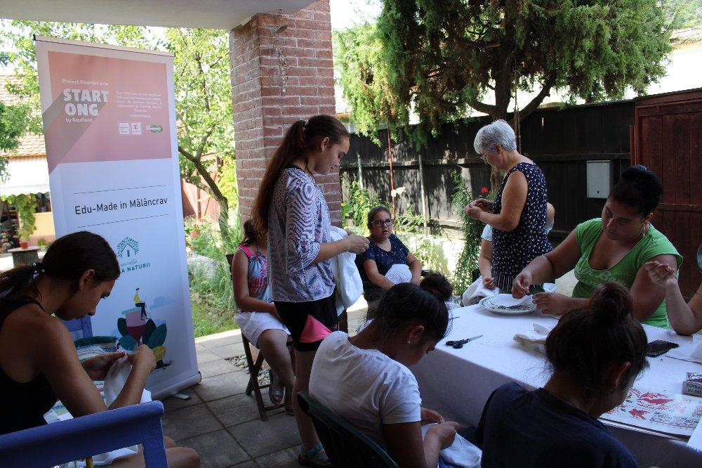 Edu-Made in Mălâncrav: Tinerii de la sat devin promotori ai patrimoniului local imaterial din Transilvania