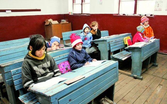 Solicităm dezbaterea publică a proiectului România Educată