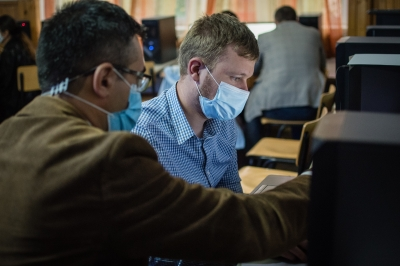 Fundația Orange extinde programul Solidarity FabLab cu două noi centre de formare pentru tinerii vulnerabili