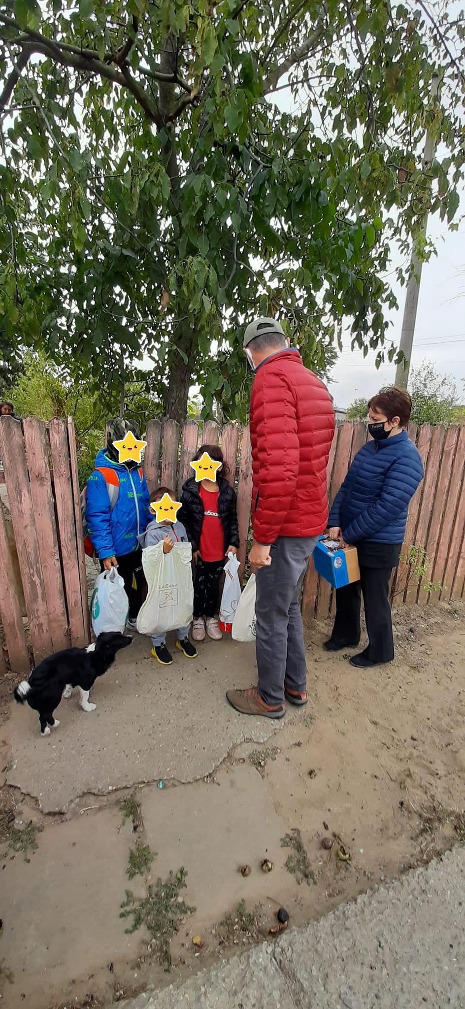 Asociația Copii pentru Viitor în vizită la 35 de familii (60 de copii)